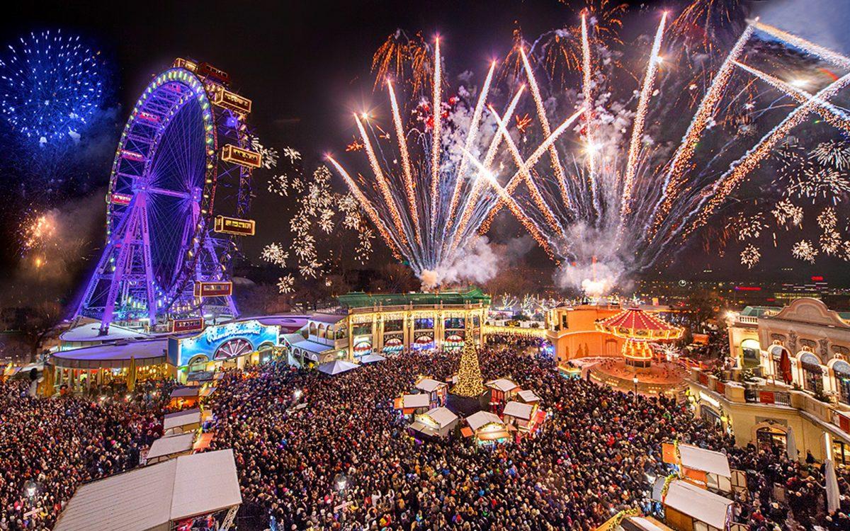 Das Feuerwerk über dem Riesenradplatz