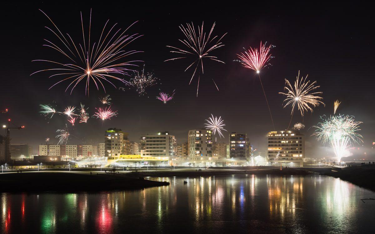 Das Feuerwerk über der Seestadt Aspern